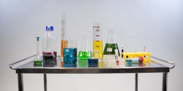 laboratory-4415978_1920